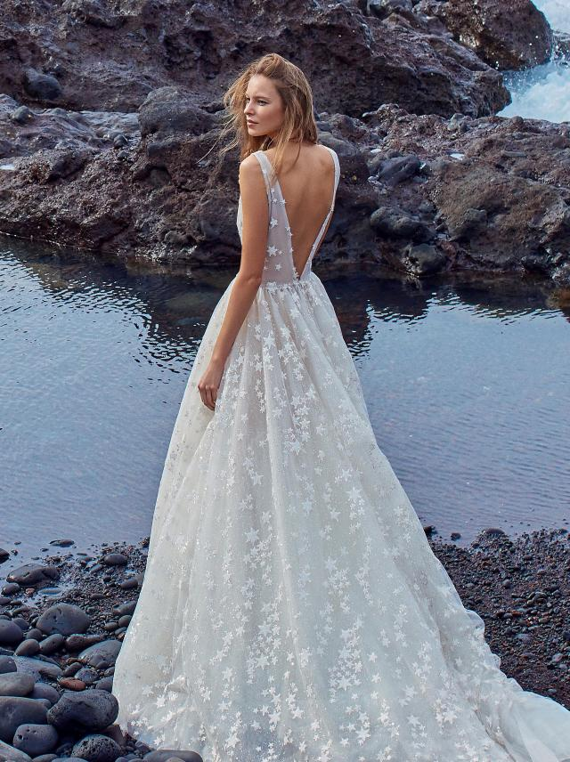 001cfab5273 GALA-1002 - Collection No. V - Bridal Dresses - Galia Lahav
