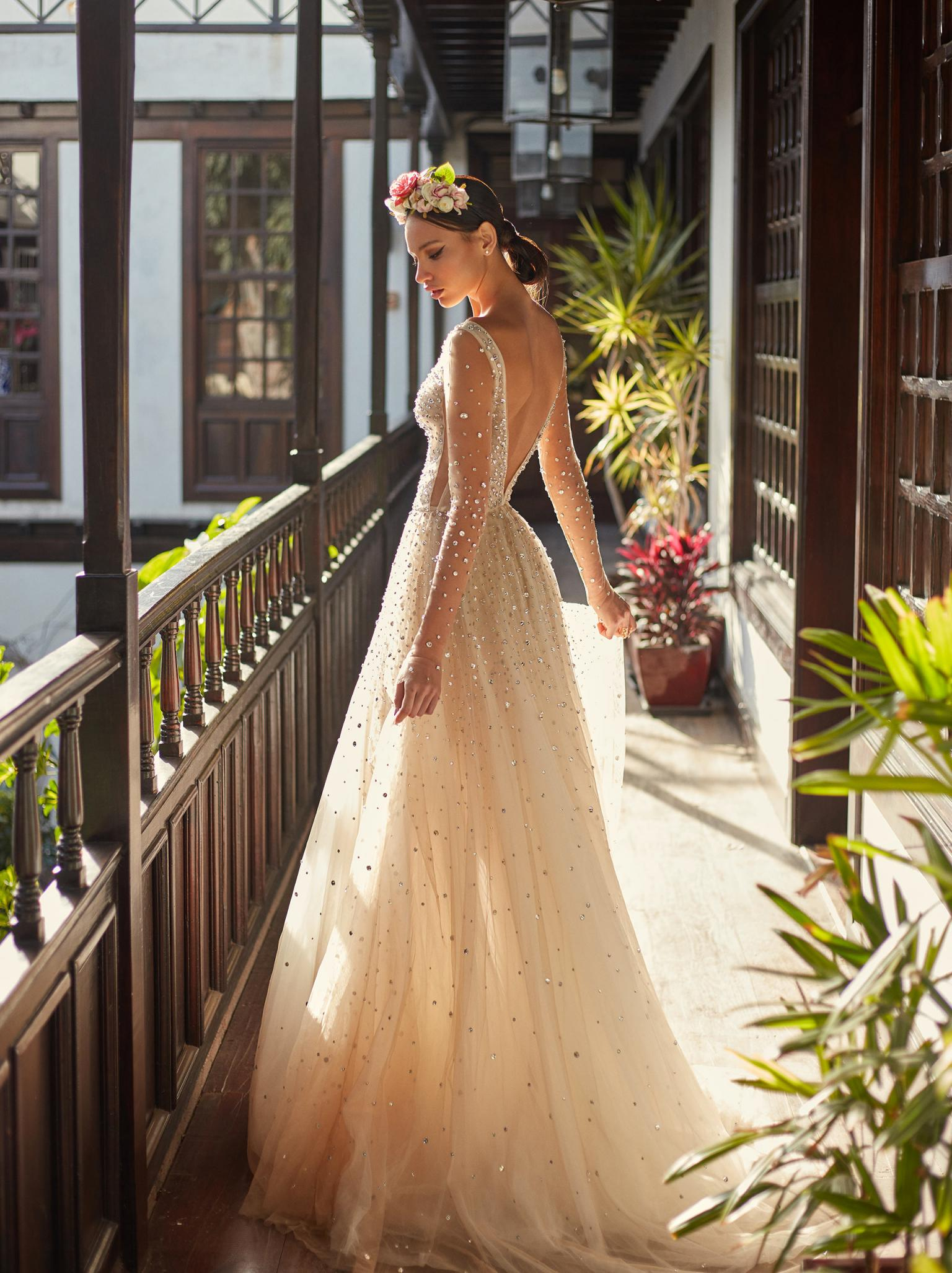 3558acb22 Mermaid Dream Wedding Dress Seksi Cathedral Train | Saddha