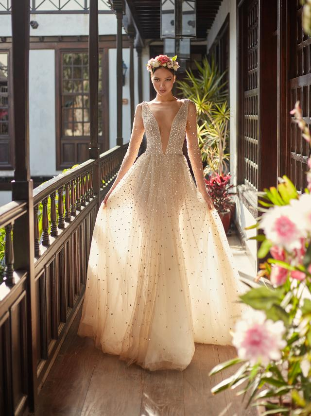 Amaya- Long sleeve wedding dress