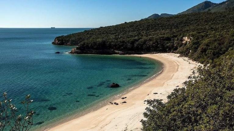 Praia-de-Galapos.jpg