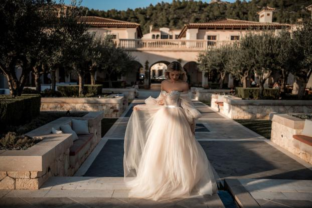 galia-lahav-blush-wedding-dress-bellina2