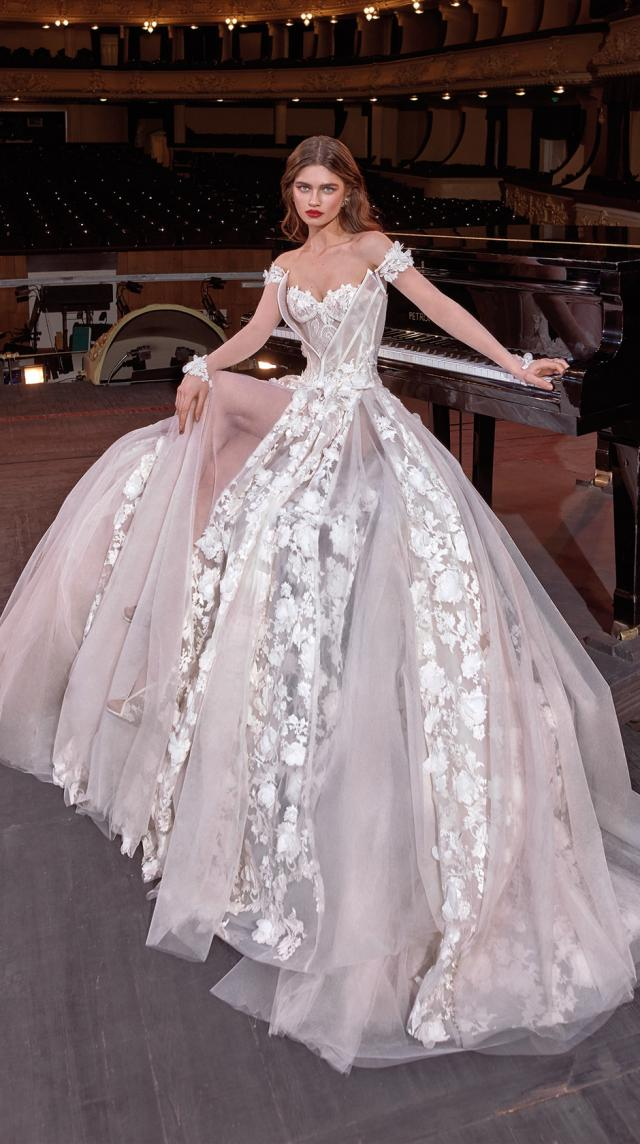 Bridal Couture Collection No. 14 - Make a scene - Gaga