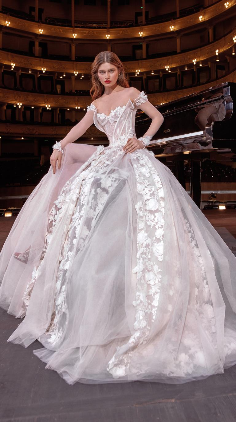 Bridal Couture Collection No. 14 - Make a scene - Gaga