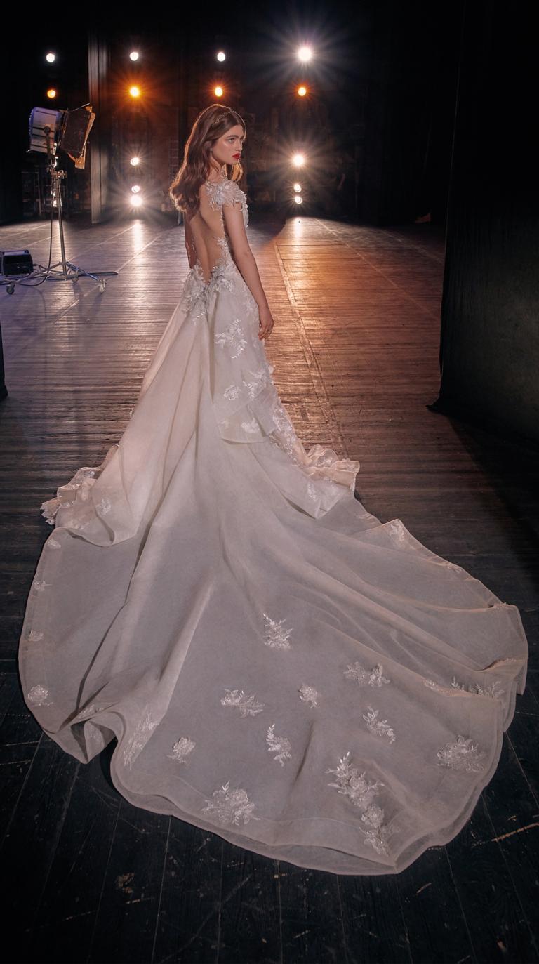 Bridal Couture Collection No. 14 - Make a scene - Martha-Train