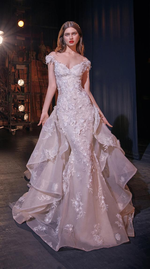 Bridal Couture Collection No. 14 - Make a scene - Martha-with-Train