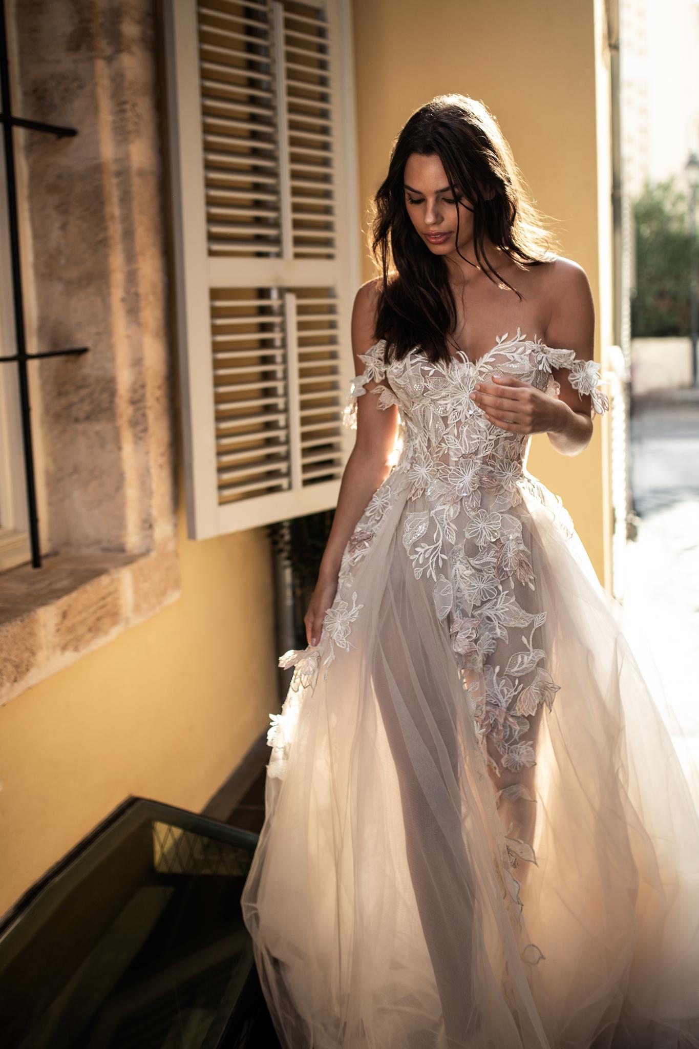 Bisou Bridal Vancouver   Galia Lahav