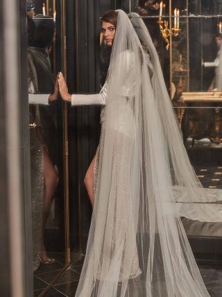 Sampaio-with-veil