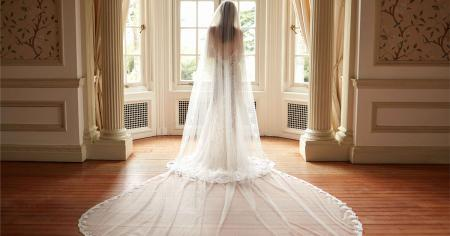 flare-gowns-featured-image