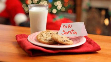 __opt__aboutcom__coeus__resources__content_migration__mnn__images__2014__12__cookiesforsanta-a3d7d2a629234534b1bee7bfea4819f7