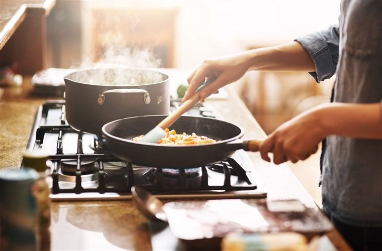 181106-preparing-meal-al-1354_aba9e744d69212f5680bf69596b49bcf.fit-760w