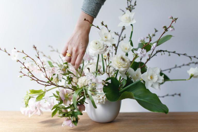 floral-design-101-lambert-floral-studio-spring-arrangement-12